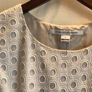 Diane Von Furstenberg Dresses - Diane Von Furstenberg Eyelet Lace Dress sz 4